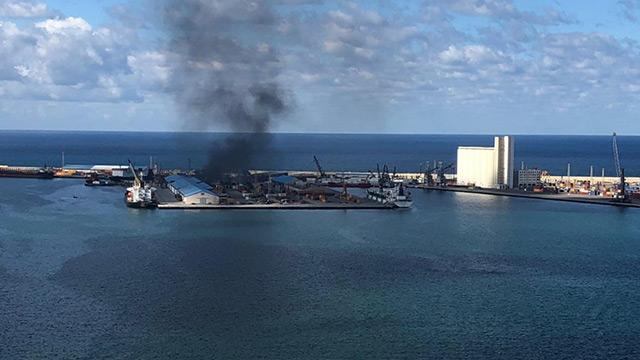 Hafter milisleri Trablus Limanı'na roketle saldırıyor