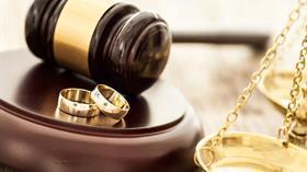 Boşanan anne çocuğuna 'üstün yarar' şartıyla soyadını verebilecek
