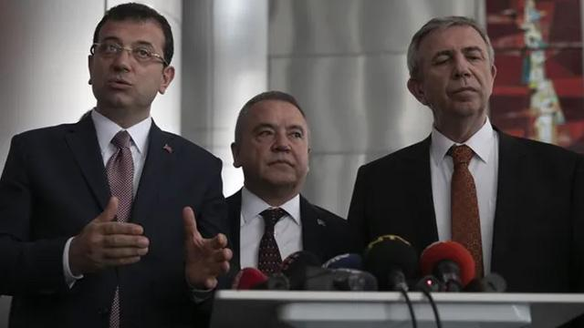 Ekrem İmamoğlu ve Mansur Yavaş'a büyük şok! Büyükşehir belediyeleri UKOME'de çoğunluğu kaybetti!