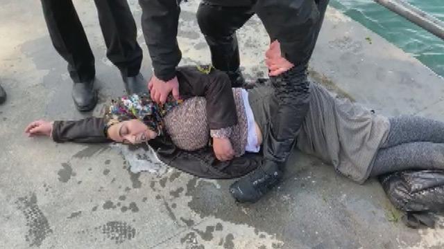 Üsküdar'da boğulan kadın kurtarıldı