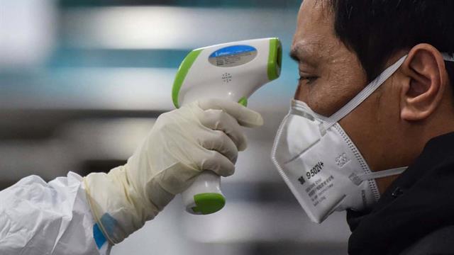 İran Sağlık Bakanlığı, Kum kentinde 2 kişiye yeni tip koronavirüsün bulaştığını açıkladı