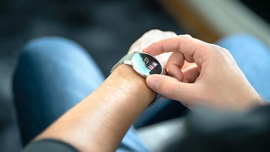 Gürol Yığar'dan 'deprem'  önlemi! Saatlere ücretsiz Acil Yardım butonu geliyor