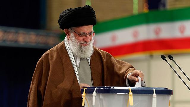 İran lideri Hamaney: Oy vermek dini bir görevdir