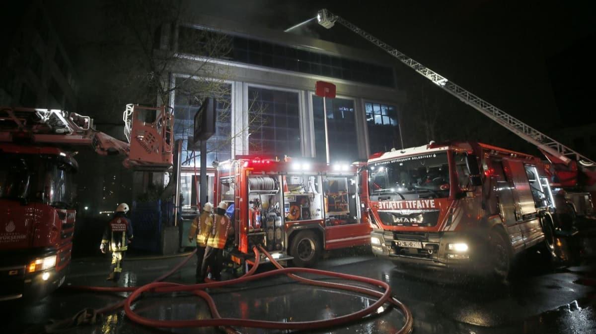 Bahçelievler'de tekstil firmasında çıkan yangın söndürüldü