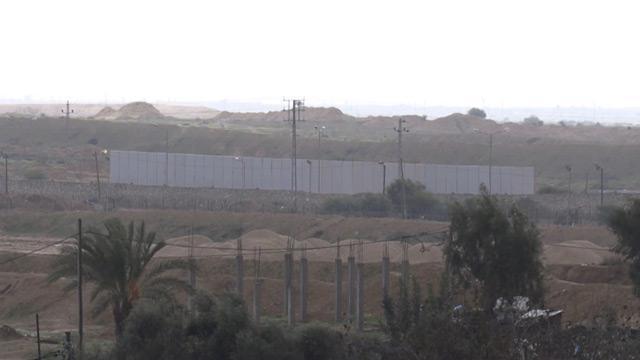 Darbeci Mısır yönetimi, Gazze sınırına duvar inşa ediyor
