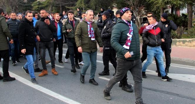 Trabzonspor taraftarı stada giriş yaptı
