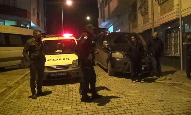 Esenyurt'ta yaraladıkları kişiyi otomobilin bagajına koyup kaçtılar