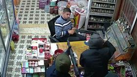 Adana Seyhan'da korkutan market soygunu! Önce şaka sandı ama sonrası...