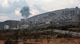 Katil Esed rejimine ait uçaklar, El Barah kasabasını vurdu