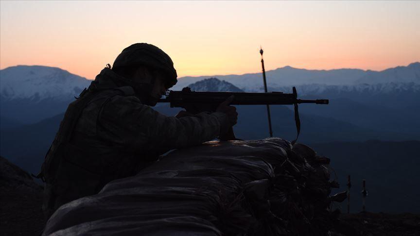 MSB: Terör örgütünden kaçan 2 PKK/YPG'li terörist teslim oldu