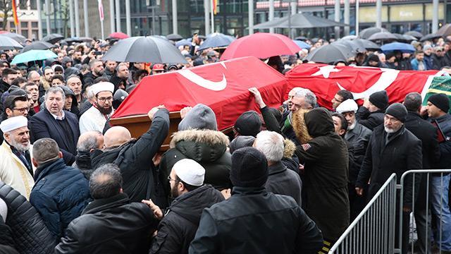 Hanau'da Almanların katlettiği Türkler için cenaze töreni