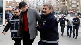 Konya'da gelin arabasıyla kuyumcu soydular