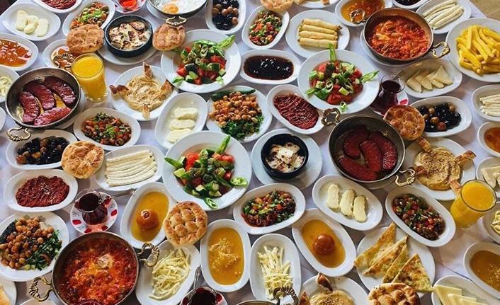 Akılalmaz israf! Gıda israfı 1,3 milyar tona ulaştı! Serpme kahvaltıda israf 100 milyar lira