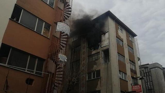 Güngören'de iş yerinde yangın çıktı