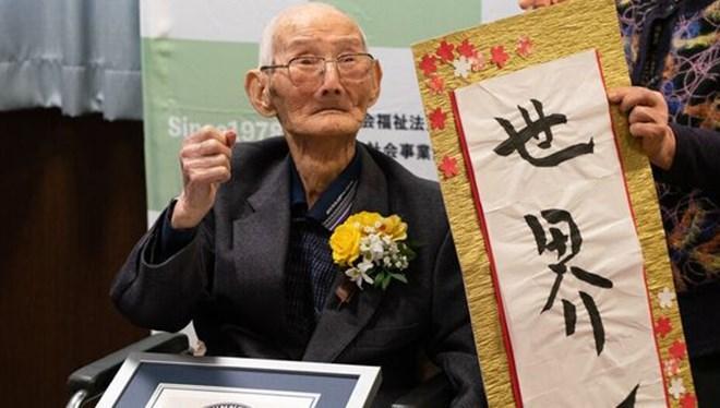 Dünyanın en yaşlı erkeği Chitetsu Watanabe yaşamını yitirdi