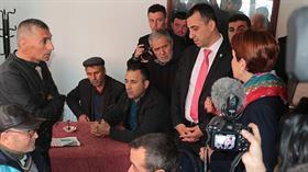Meral Akşener, Balıkesir'de kahvehanedekilerin gazabına uğradı: Teröre destek veriyorsun