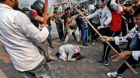 Hindistan'ın başkenti Yeni Delhi'de saldırıya uğrayan Muhammed Zübeyir, dehşet anlarını anlattı