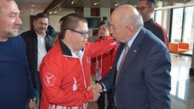 TFF Başkanı Nihat Özdemir, özel sporcularla bir araya geldi