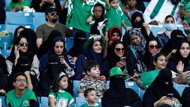 Şeriat karşıtı Prens Selman ılımlı İslam çalışmalarına hız verdi! Suudi Arabistan kadın futbol ligi kuruyor