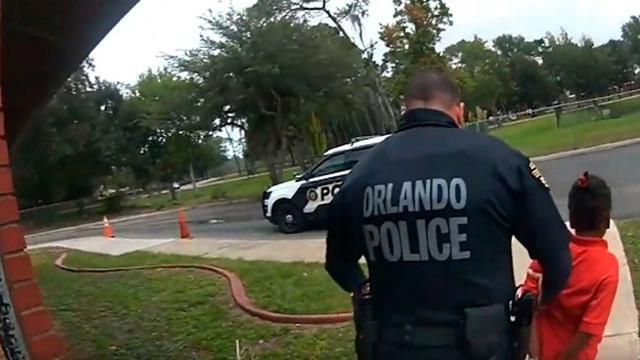 6 yaşındaki çocuğa ters kelepçe takan polis
