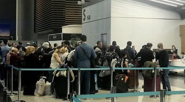 İranlı yolcular İstanbul'da bekliyor!
