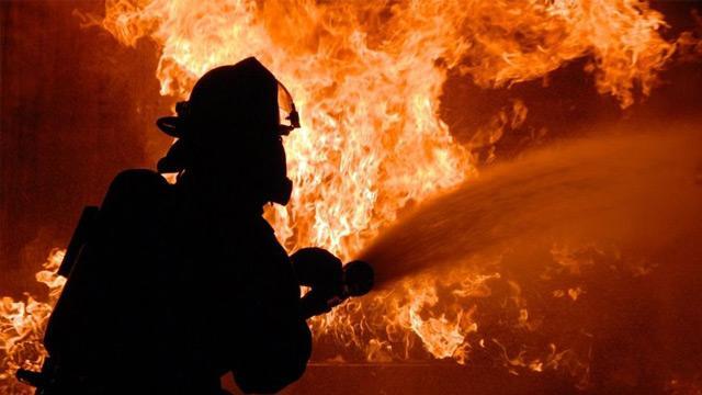 İran'ın Kum kentinde yangın: 5 kişi can verdi