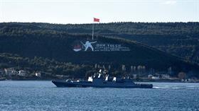 Rus savaş gemileri peş peşe Boğazlardan geçiş yaptı