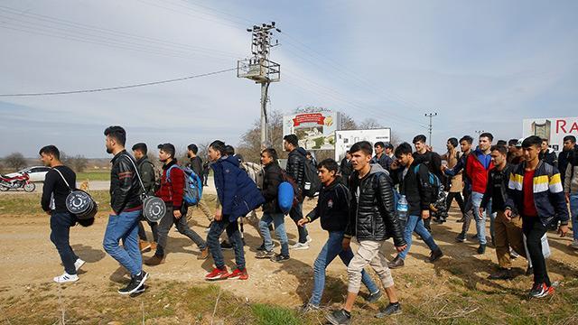 Avrupa Birliği panikledi: Türkiye-AB göçmen mutabakatı geçerliliğini koruyor