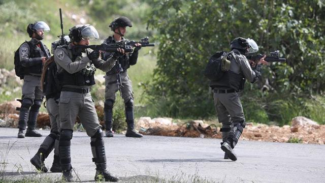 İşglâlci İsrail askerleri, Batı Şeria'da 35 Filistinliyi yaraladı