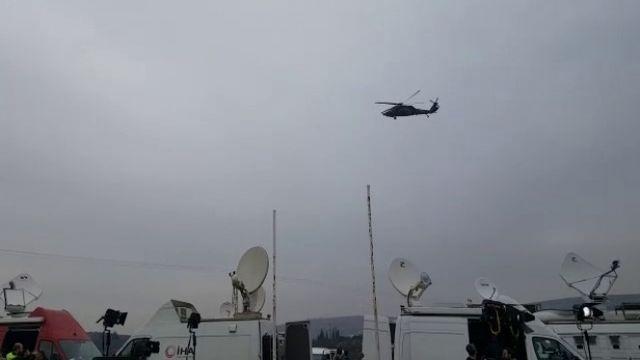 Sınırda asker sevkıyat, helikopter ve ambulans hareketliliği