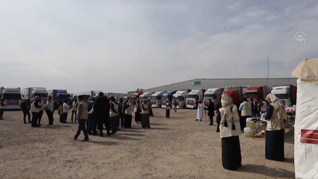 Katar, Suriye'ye 50 tır yardım gönderdi