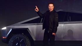 Tesla, koronavirüs nedeniyle üretimi durdurma kararı aldı