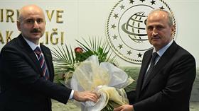 Ulaştırma Bakanı Turhan'dan ilk açıklama: Daha güzel hizmetler yapacağına inanıyorum