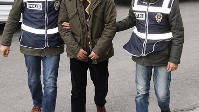 İstanbul'da polis olduğunu söyleyerek Pakistanlıları gasp eden 2 kişi tutuklandı