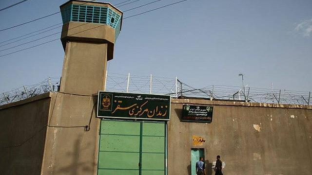 İran'da firar eden 74 mahkumla bağlantılı 4 gardiyan gözaltına alındı