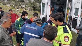 Kayalıklardan düşüp mahsur kalan şahıs itfaiye ekiplerince kurtarıldı