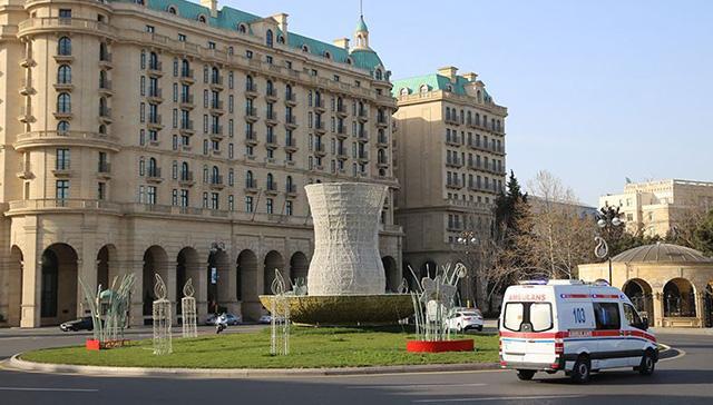 Azerbaycan'da koronavirüs nedeniyle sokağa çıkma yasağı ilan edildi