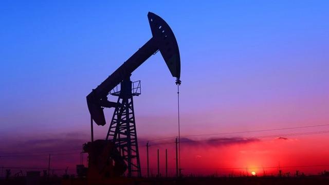 Brent petrolün varili halâ dip seviyesinde