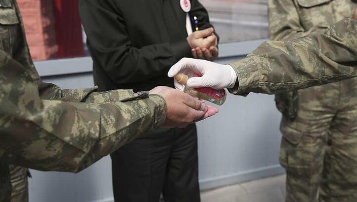 Hakkari'de askerler koronavirüse yakalandı denildi! Valilikten flaş açıklama geldi