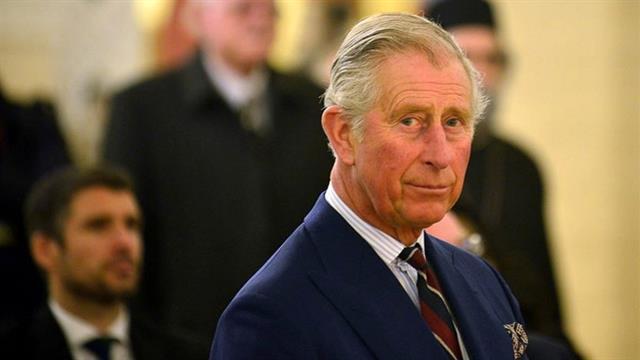 Prens Charles karantinadan çıktı