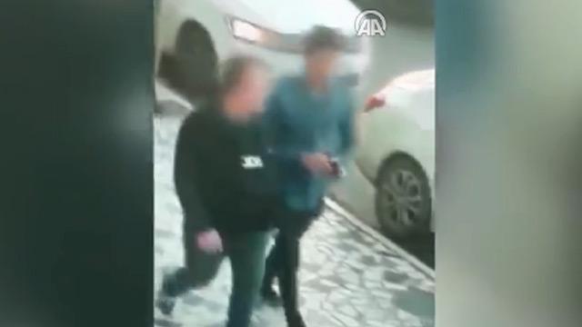İstanbul'da kendini polis olarak tanıtan dolandırıcı yakalandı