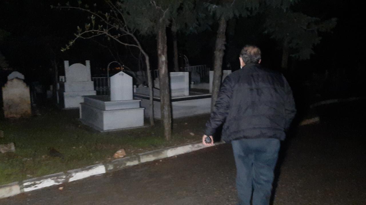 Mezarlıkta korkutan kadın çığlığı! Polis tabutların kapaklarını açıp kontrol etti