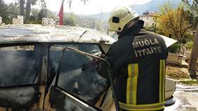 Muğla'da seyir halindeki otomobil yandı
