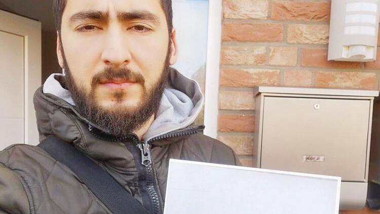 """Almanya'da skandal olay! Türk aileye """"Umarım virüs ailenize yayılır"""" yazılı mektup"""
