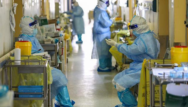 ABD'de tıbbi ekipman eksikliğini dile getiren sağlık çalışanlarına kovulma tehdidi