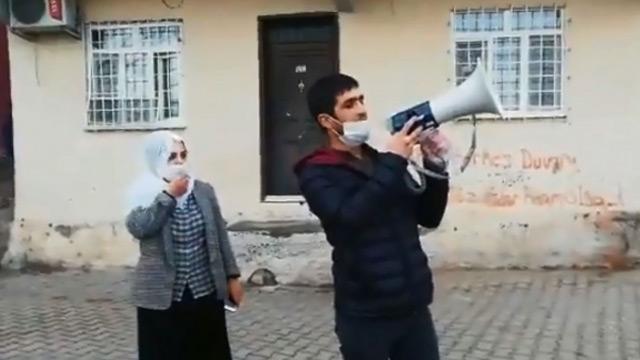 Polis dişleyen HDP'li Remziye Tosun Diyarbakır sokaklarında halkı kışkırtmaya çalıştı