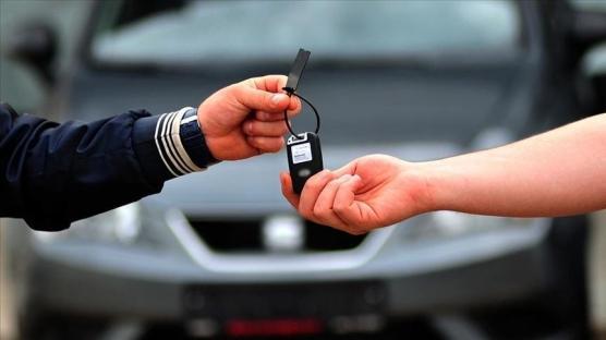 İkinci el otomobil pazarında online satış da arttı fiyatlar da