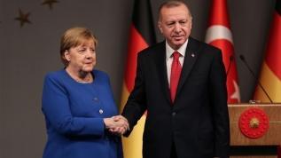 Başkan Erdoğan, Almanya Başbakanı Merkel'le telefonda görüştü