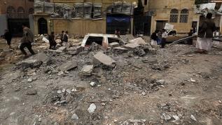 Husiler Arap koalisyon güçlerini Sana'da tıbbi malzeme deposunu vurmakla suçladı