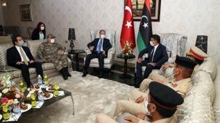 Bakan Akar ve Genelkurmay Başkanı Libya'da